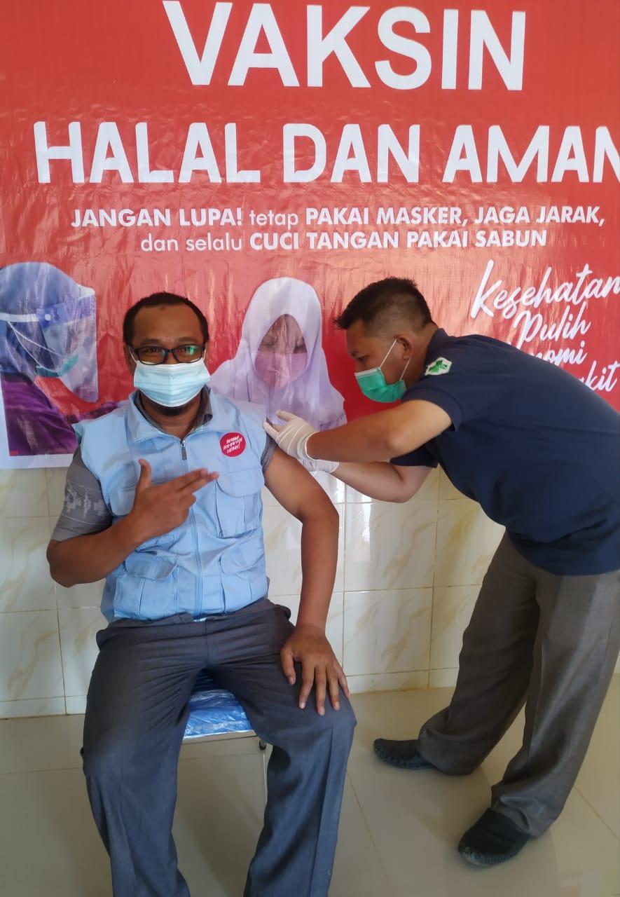 Penyuluh Anti Korupsi Ikut Vaksinasi dan Seorang Petugas Kesehatan Syok Setelah Divaksin