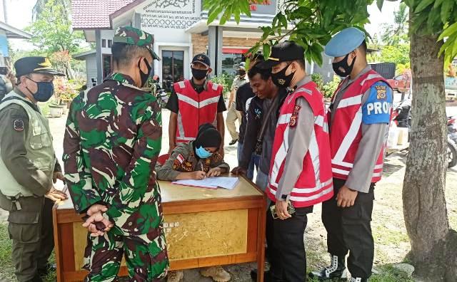 """Tim """"Peucrok"""" Kabupaten Aceh Timur Amankan 12 Pelanggar Prokes Covid19"""