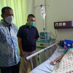 Bupati Aceh Timur Membesuk Warga (Korban) Gas Beracun Di RSUD dr. Zubir Mahmud