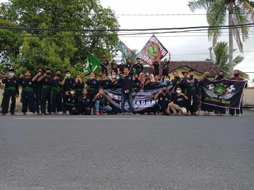 Ramadhan Ke-26, Pagar Nusa Sumbawa Berbagi Takjil