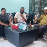 AsiaNationNews.Com Media Leader (CEO) Sayed Oestman Al Syeich and Head of Sinar Aceh Baru Bureau Wiwin Hendra visited SMA Negeri 1 Langsa.