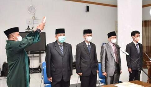 4 Pejabat Lingkup Pemkot Bima Resmi Di Lantik Wali Kota Bima.