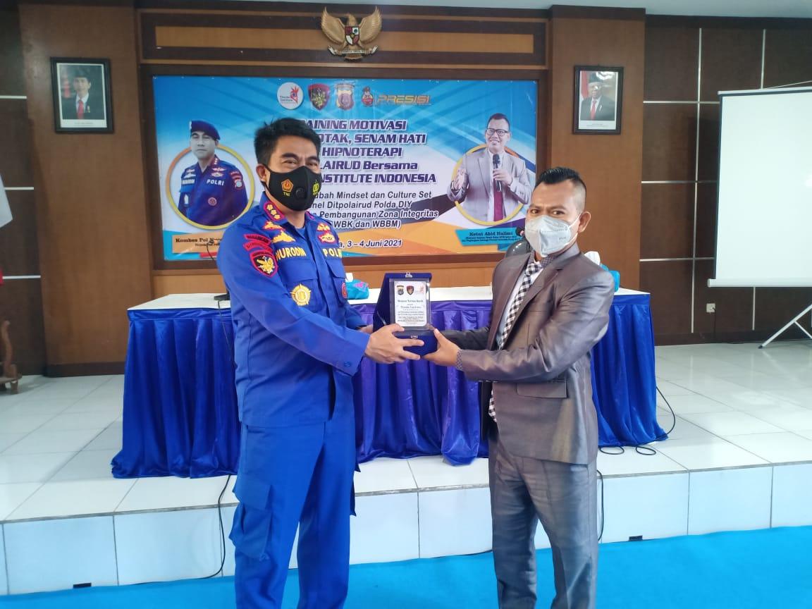*_Wujudkan Zona Integritas Menuju WBK, Dirpolairud Polda D.I.Yogyakarta Datangkan Motivator untuk Merecharge Anggotanya_*