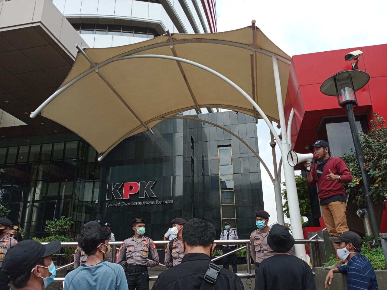 Gerakan Rakyat NTB Jabodetabek, Aksi di Depan Gedung KPK RI