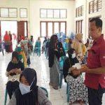 Camat Baru Pantau Bantuan Sosial PKH Tahap 3 Di Hari Libur