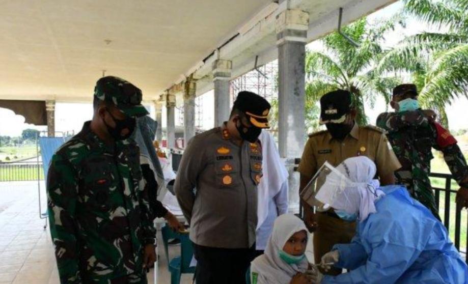 Vaksinasi Massal Bagi Pelajar Dan Masyarakat Aceh Timur