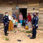 Security PT Medco E&P Malaka Peduli Warga (SEUMAPA) Salurkan Bantuan Sembako