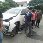 Tabrakan Mobil Dengan Motor Di Birem Bayeun, Pengendara Motor Tak Sadarka Diri.
