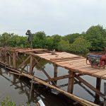Sasaran Fisik Pembangunan Jembatan, Telah Masuk Tahap Pemasangan Papan Lantai